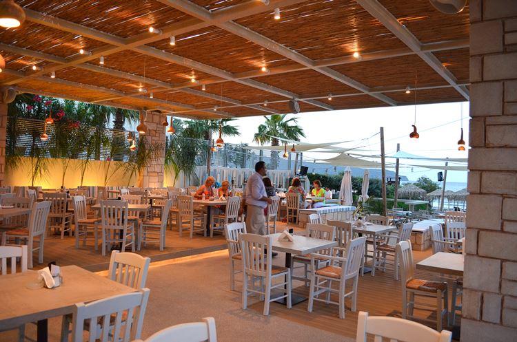 Almira Beach Bar Restaurant - 5/28