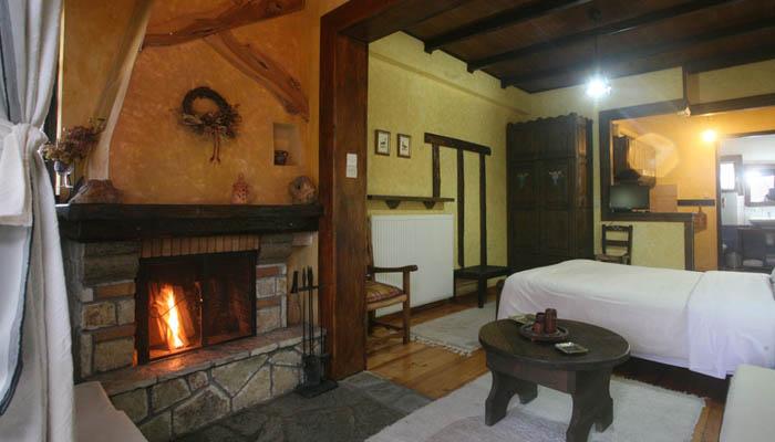 Ελάτη Τρικάλων: 89€ για 3ήμερο για δύο άτομα με πρωινό σε δίκλινο δωμάτιο με τζάκι και δωρεάν ξύλα. εικόνα