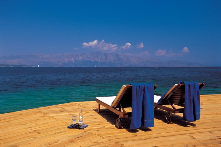 Λευκάδα - 28η Οκτωβρίου: 205€ για 3ήμερο για 2 άτομα με ημιδιατροφή στο 5* Ιonian Blue Hotel Bungalows & Spa Resort σε Superior δίκλινο δωμάτιο με Θέα στη Θάλασσα!