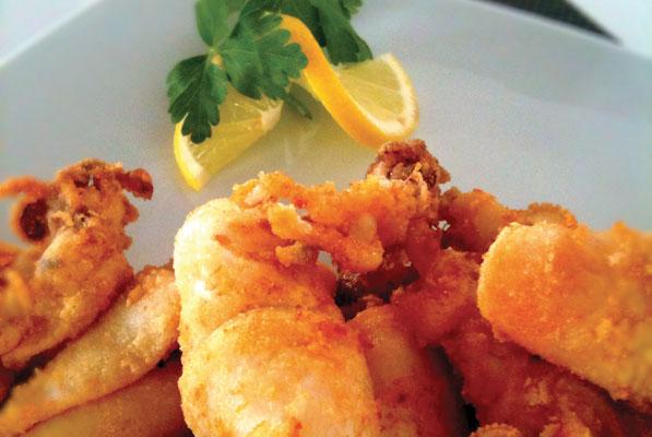 Πάρος - Φαγητό: 34€ για πλήρες γεύμα 2 ατόμων στο εστιατόριο Σιγή Ιχθύος στη Νάουσα.