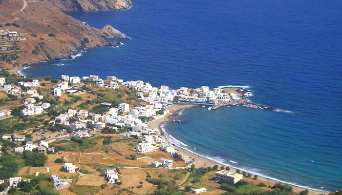 http://www.touristorama.com/assets/images/locations/europe/greece/aegean/cyclades/naxos/_p/apolonas.jpg