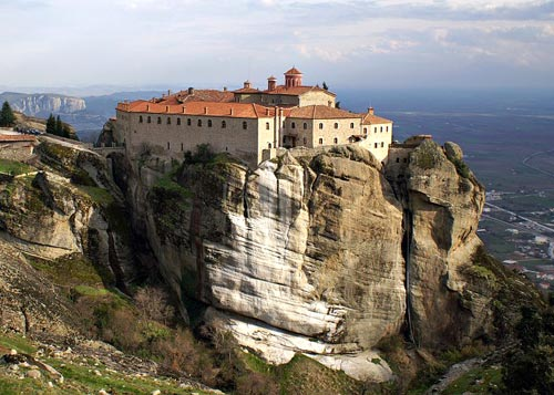 Meteora, between the earth and the sky